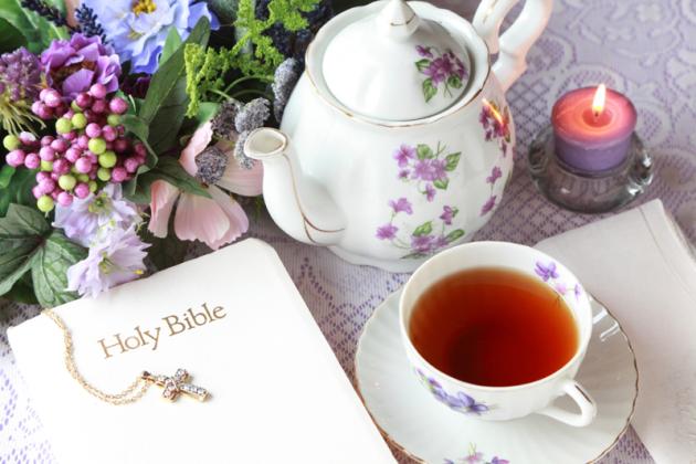 tea-pot-and-bible